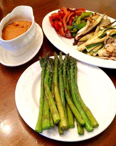Recetas y sonrisas parrillada de verduras con salsa romesco for Parrillada verduras
