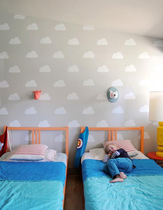nuvens na parede - ideia simples de decoração - estêncil de nuvem