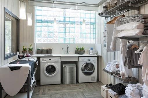 Un cuarto de lavado y plancha organizado | La Maison 17 decoración ...