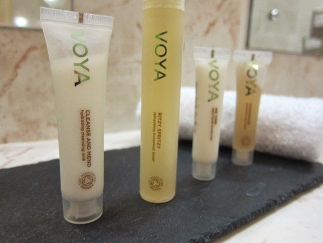 Travel Beauty - Voya Travel Kit