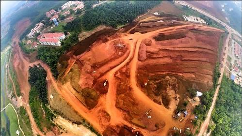 Gambar Perlombongan Bauksite Dari Pandangan Udara (Drone)