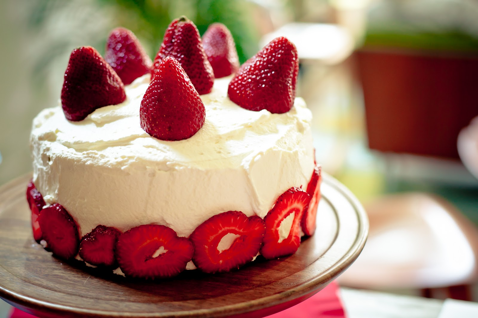 Fresh Strawberry Cake with Pastry Cream and Mascarpone Whipped Cream