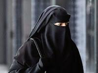 Wartawati Australia Ini Rela Menggunakan Niqab Untuk Mengukur Kadar Islamofobia di Australia