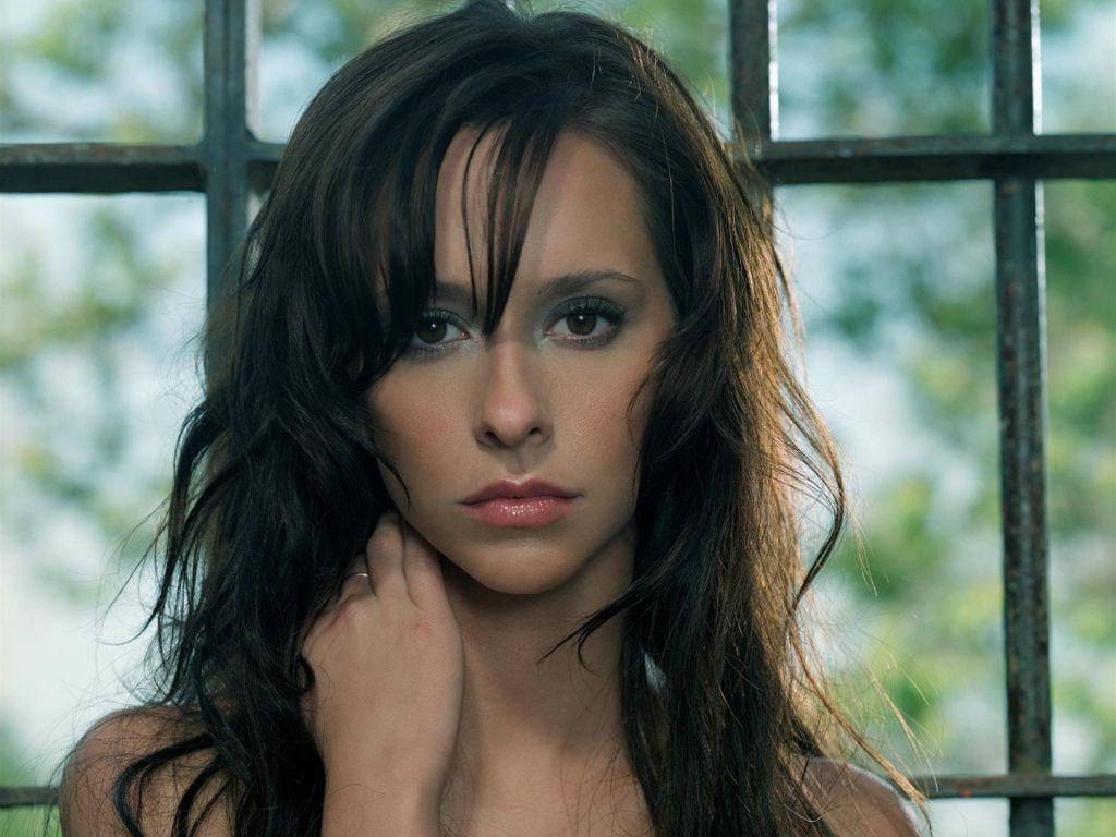 Jennifer Love-Hewitt Hot Pictures, Photo Gallery & Wallpapers: Sexy Jennifer Love-Hewitt Images