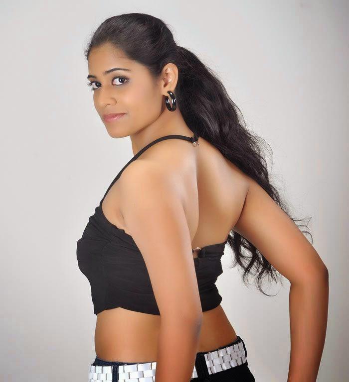 8 Hot Stills Telugu Actress Samatha