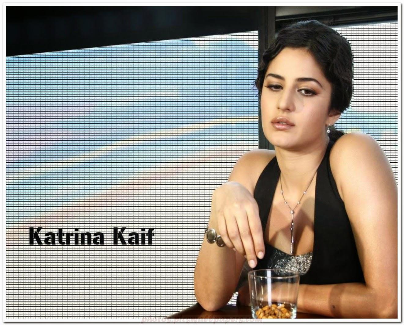 Katrina Kaif Looking Hot HD Wallpaper