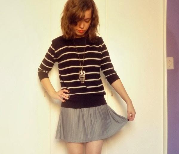 suéter listrado, colar boutique 96