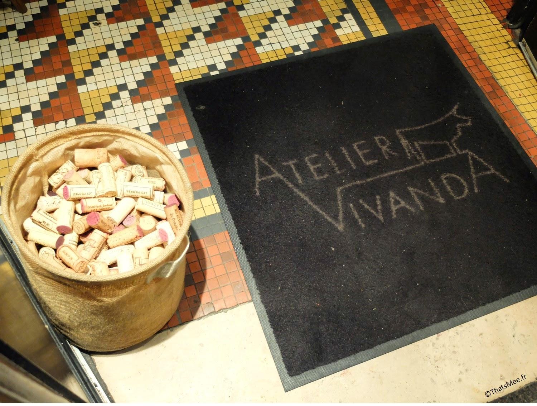 Seuil entrée paillasson Restaurant Atelier Vivanda Akrame Paris spécialités viandes