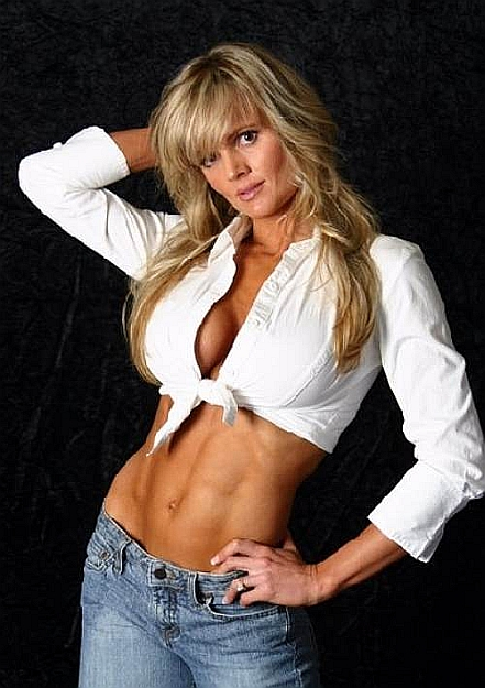 Amber Elizabeth Fitness Model http://fitness-bodybuilding-beauties.blogspot.com/2009_01_01_archive.html