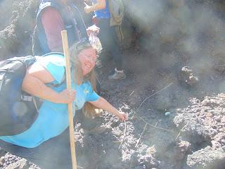 Days 29 – 32: Guatemala to Honduras and Roasting Marshmallows on an Active Volcano!