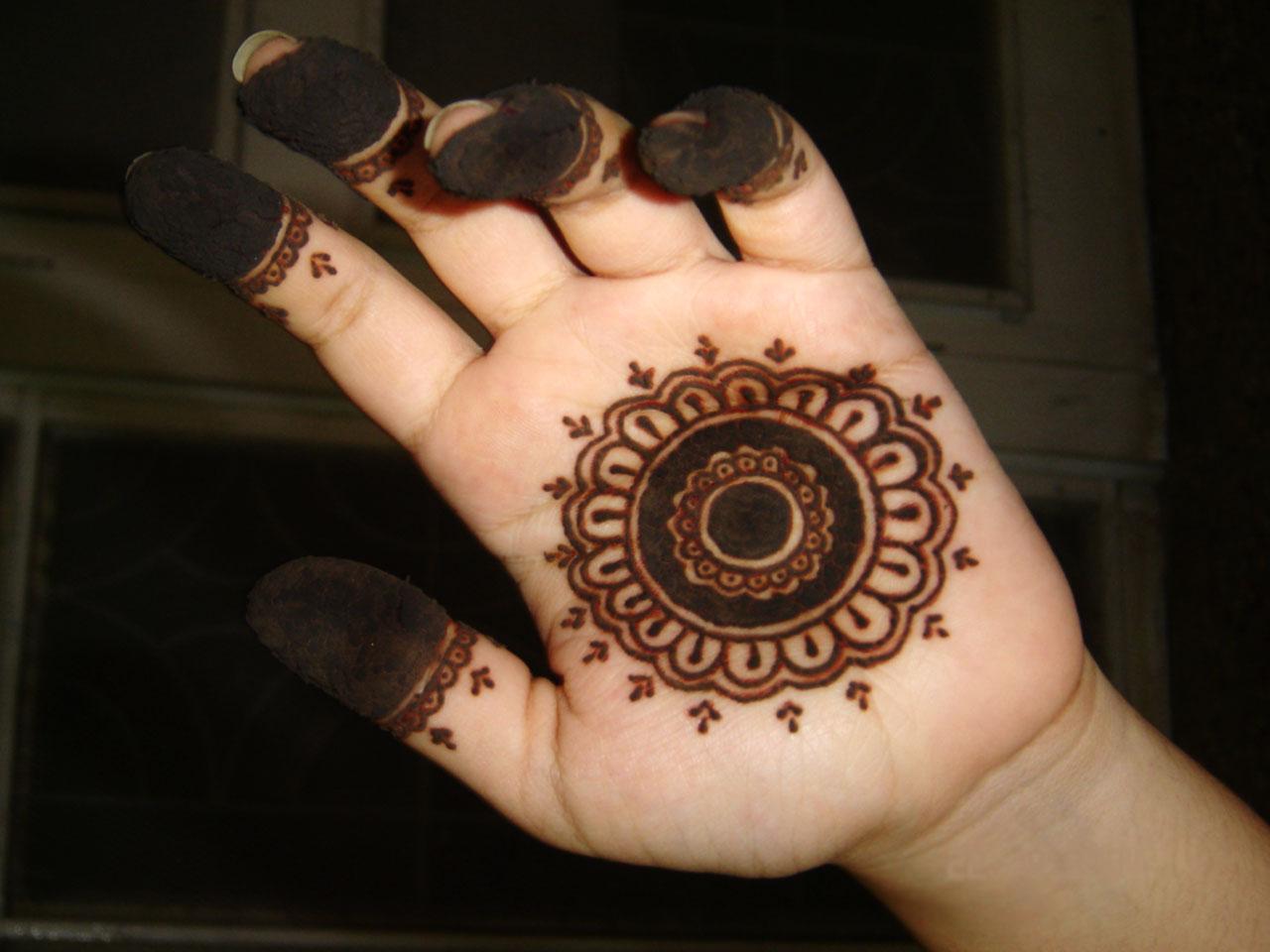 Mehndi On Hands Design : Beautiful designs arabic mehndi for hands