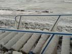 Zmrzlé schody na Balatonu
