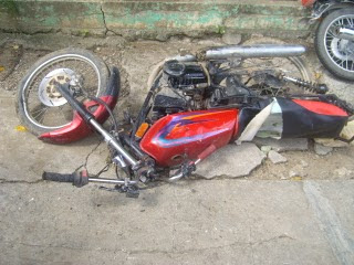 ACCIDENTE: Choque violento deja dos muertos y un herido grave