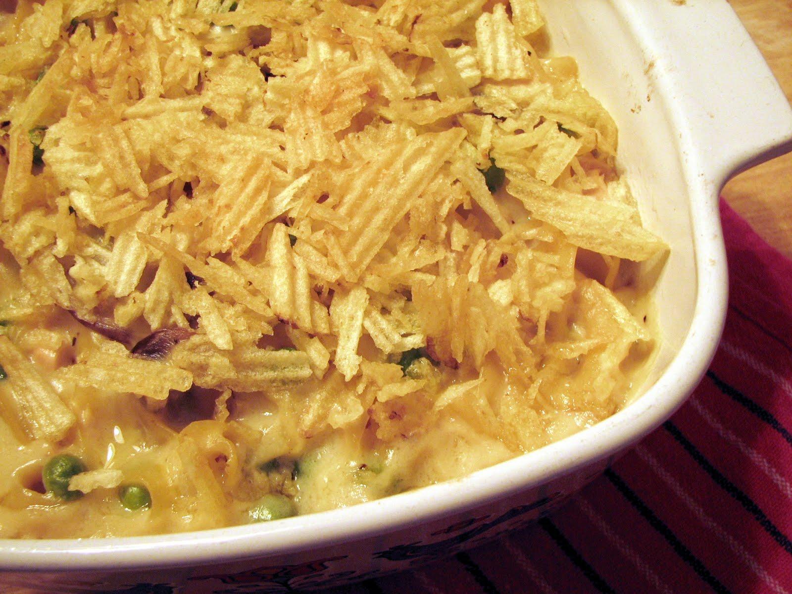GAFunkyFarmhouse: Foodie Fridays: Tuna Noodle Casserole