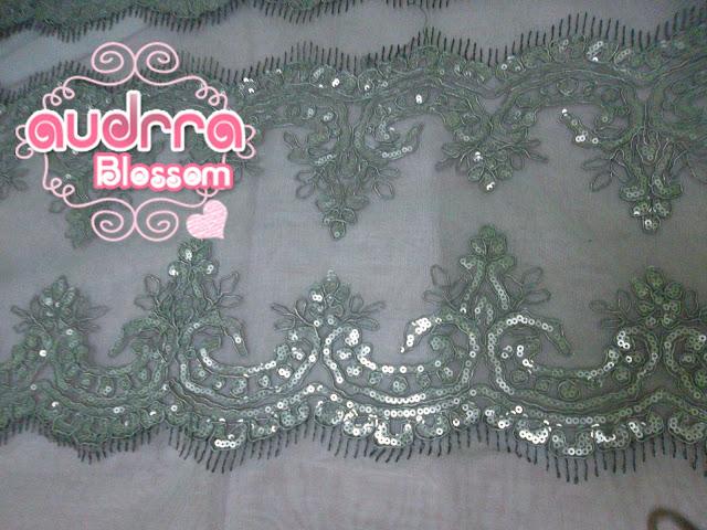 Border Lace cantik warna kelabu/grey RM 19 semeter.