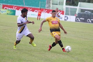 Pantoja vence a Moca FC