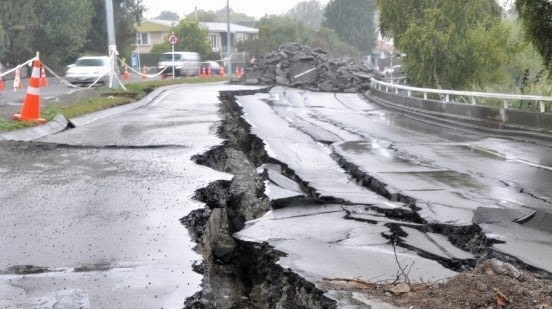 science earthquakes The system relies on a network of sensors being able to pick up the arrival of a quake's fast-moving seismic waves (the so-called p-waves) ahead of its slower moving ones it is the later arriving s-waves, as they are known, that produce the destructive shaking why scientists can predict where but not when.