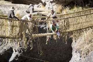 akupunyerlah!,akupunyer.com,jambatan jerami,jambatan gantung,jambatan rumput,jambatan pelik di Peru