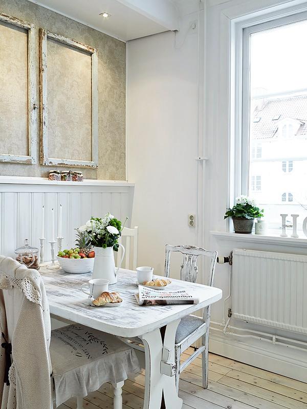 Una cocina blanca con detalles vintage white kitchen for Cocinas vintage blancas