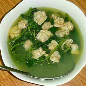 (Canh rau muống nấu nghêu) - Vietnamese Spinach Soup with Basil Clams