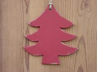 décorations-de-Noël-sapin-rouge-bois-découpé