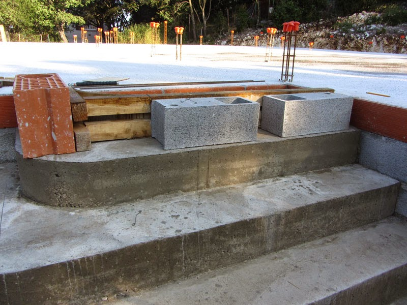 construire un escalier en b ton de type pyramidal b tir sa maison moindre co t. Black Bedroom Furniture Sets. Home Design Ideas