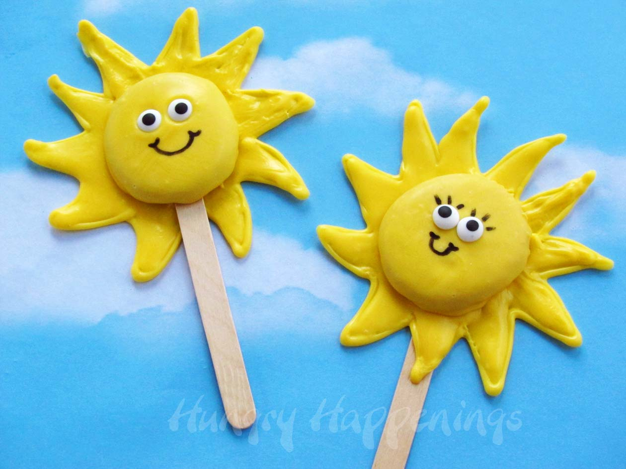 Add a little sunshine into your day with these cute lollipops ...