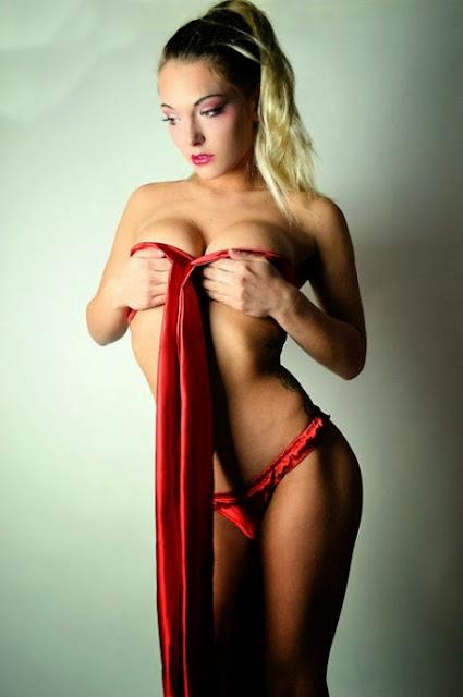 Top Models in Bikini without bra www.cute-babesweb.blogspot.com