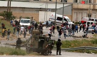 حريق هائل فى محيط سجن عوفر الإسرائيلى غرب رام الله