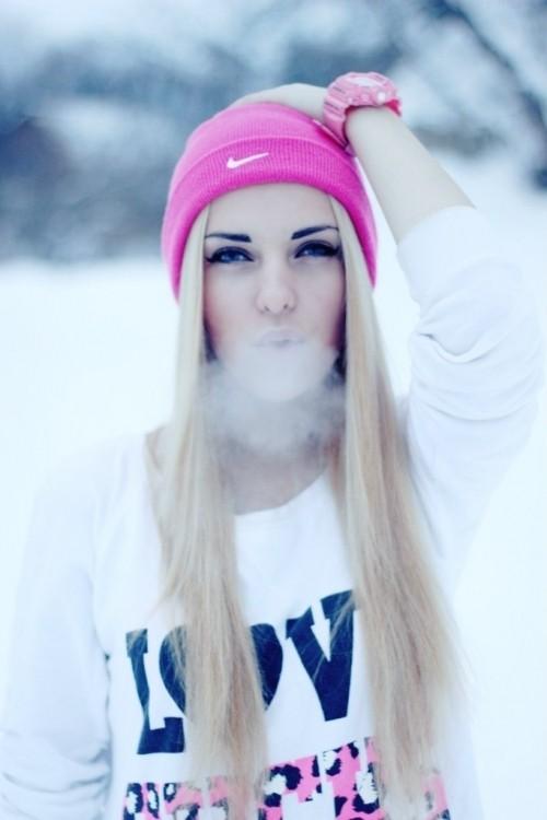 Фото на аву для девочек с белыми волосами