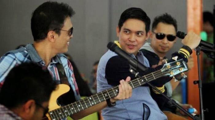 Lirik Dan Kunci Gitar Lagu Ada Band - Manusia Bodoh