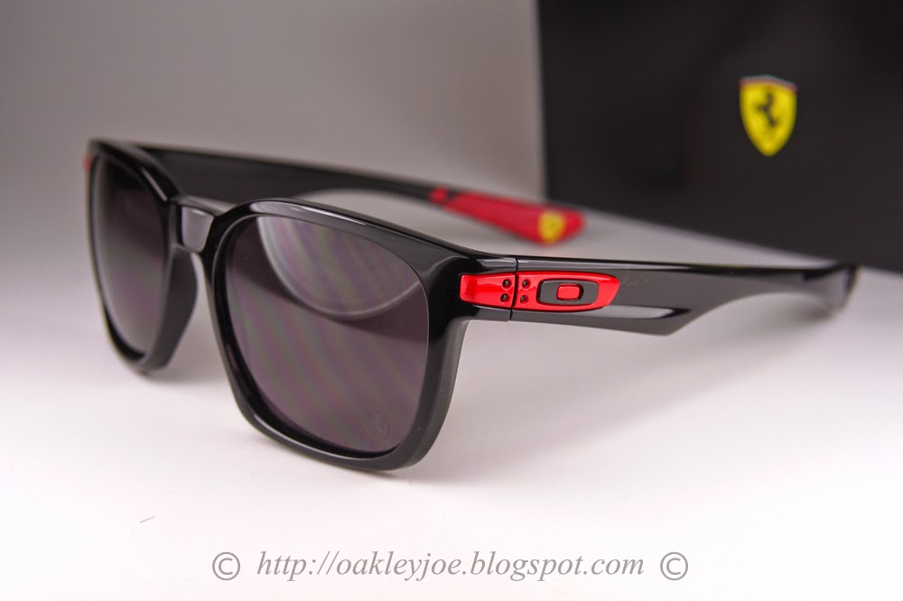 oakley garage rock ducati series