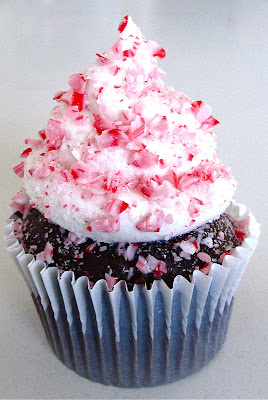 http://blog.dollhousebakeshoppe.com/2011/12/chocolate-peppermint-cupcakes.html