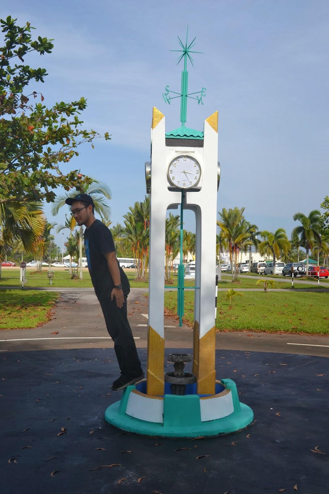 Kuala Belait Brunei  city photo : menara jam kuala belait replika ibu pejabat polis kuala belait
