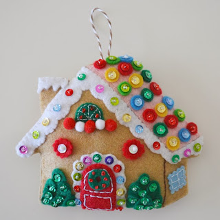 http://www.downgrapevinelane.com/2013/01/tutorial-gingerbread-house-ornament.html