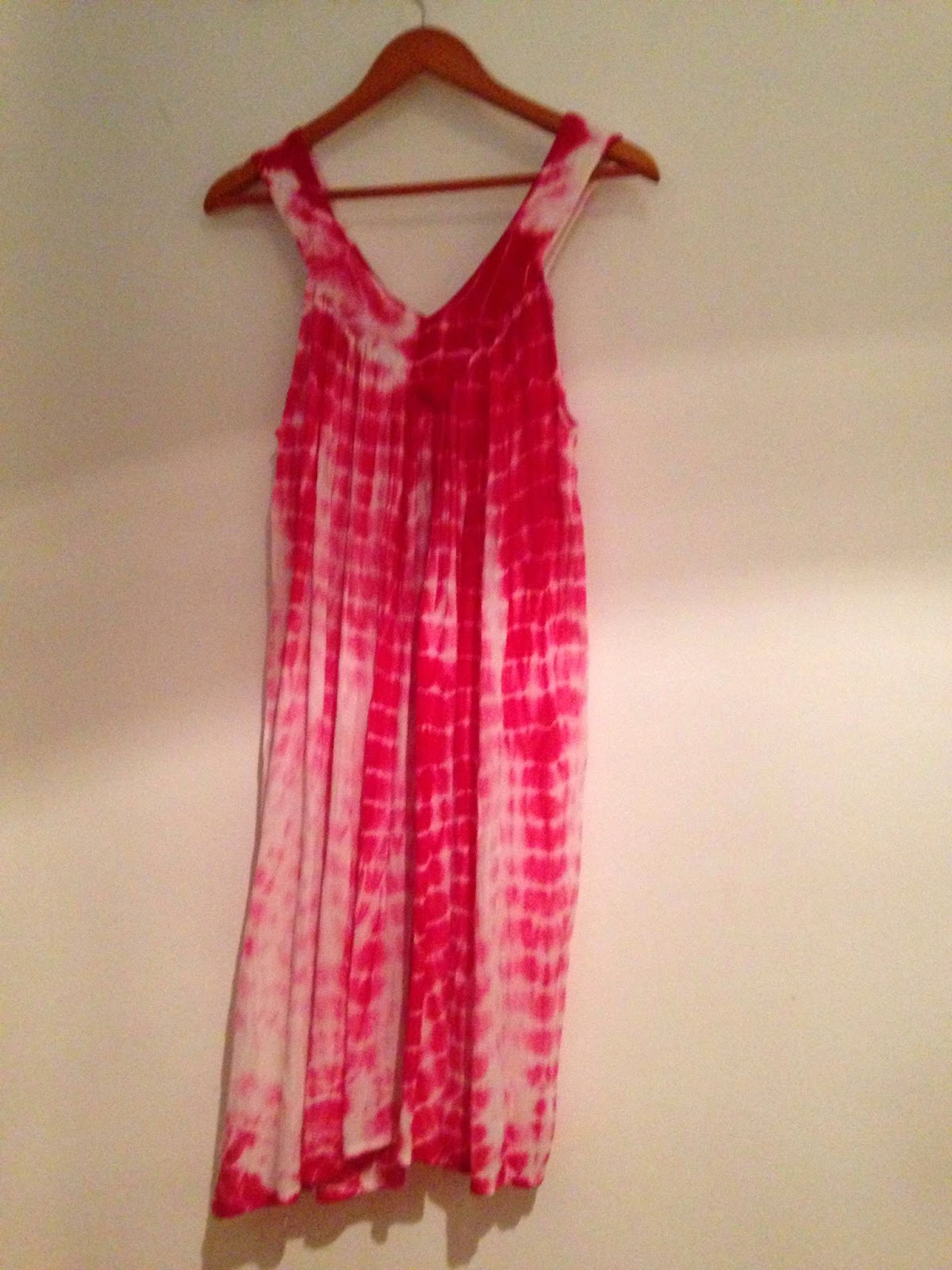 Vestido rosa novo tamanho unico 20€
