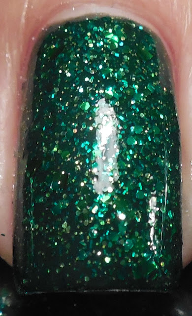 Pahlish Stroke Of Luck over Essence Walk On The Wild Side