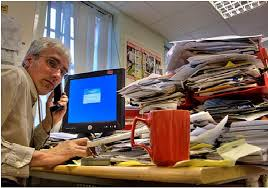 """""""Una vez más sobre el trabajo productivo e improductivo"""" - texto publicado en mayo de 2013 en el blog Crítica Marxista-Leninista - contiene el texto del mismo nombre de Peter Howell, año 1975 - Interesante Trabajo+productivo+e+improductivo+1"""