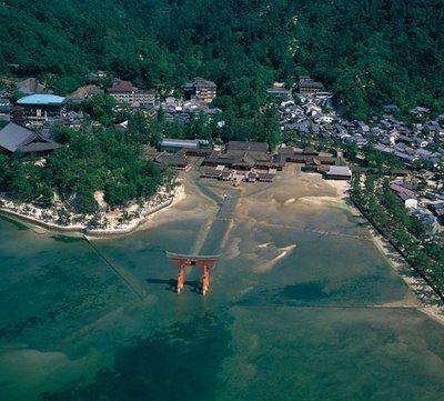 Pulau Itsukushima, Saat Kematian Dan Kelahiran Tidak Diizinkan Disini [ www.BlogApaAja.com ]