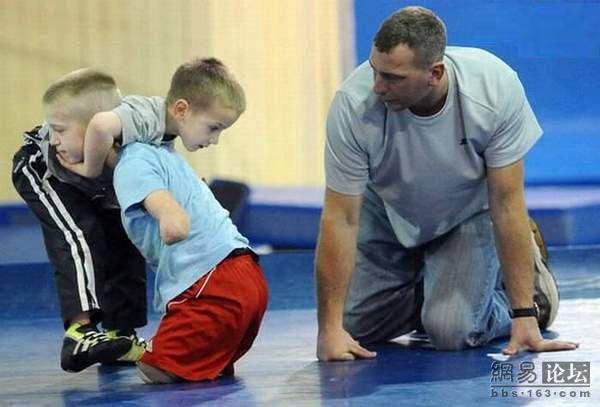 11 years old wrestler without arms and leg