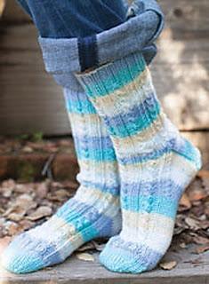 Вязаные носки просто симпатичные