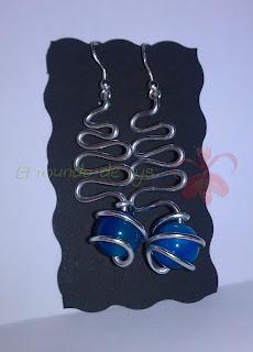 Pendientes aluminio plateado y bola de ágata azul