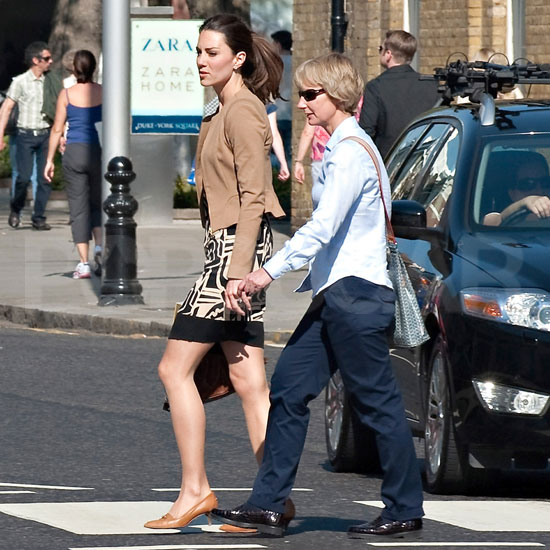 Princesses 39 Lives Kate Middleton Out And About In London
