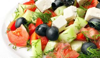 Γιατί πρέπει να τρώμε πάντα πρώτα την σαλάτα