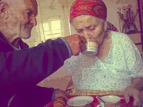 Café da manhã com esposa com Alzheimer