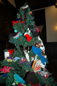 Mitten Tree for El Centro Del Inmigrante