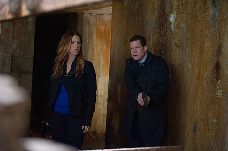 Unforgettable - Episode 3.08 - The Island - Promotional Photos