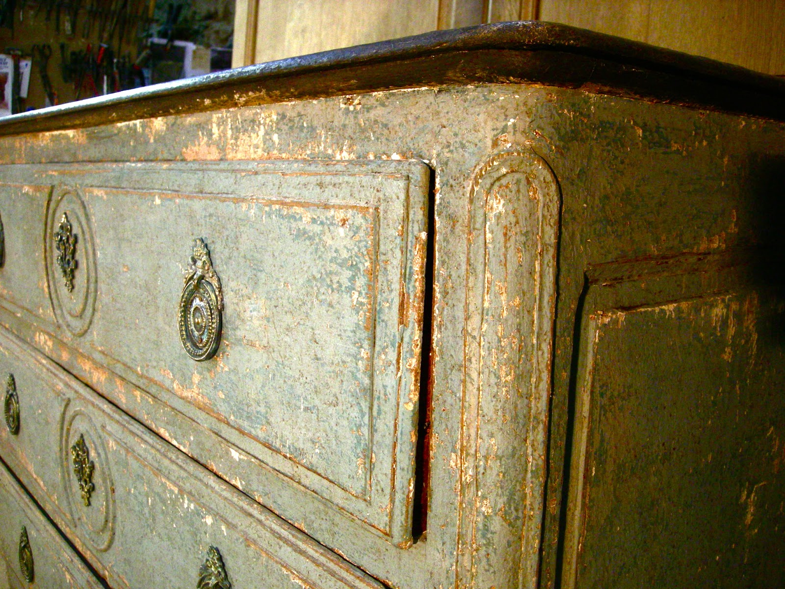 Meuble Ancien Patiné, Gris Bleu, Painted Furniture.