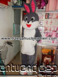 cho thuê mascot thỏ ngọc
