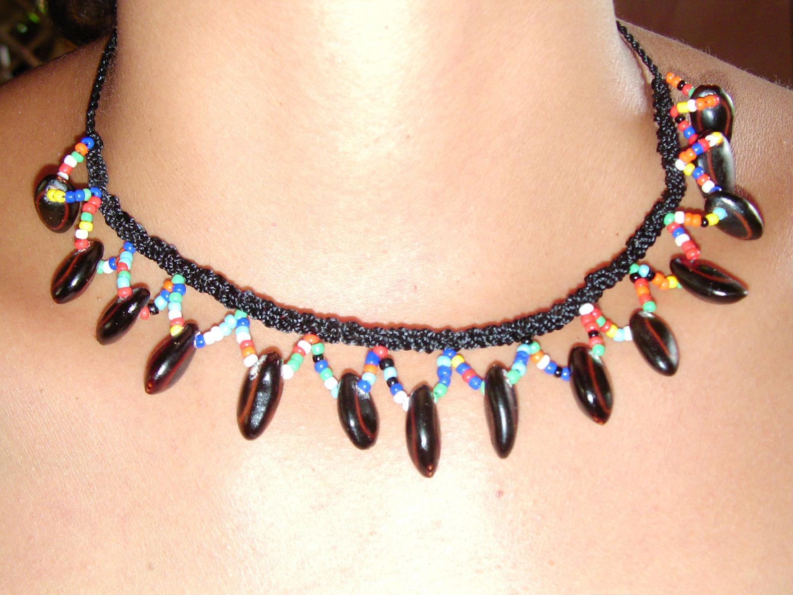 Como se hacen los collares indigenas